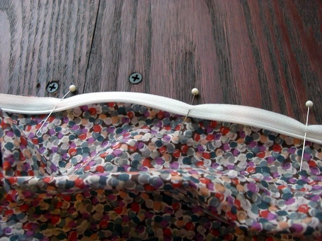 pin zipper to one side of fabric