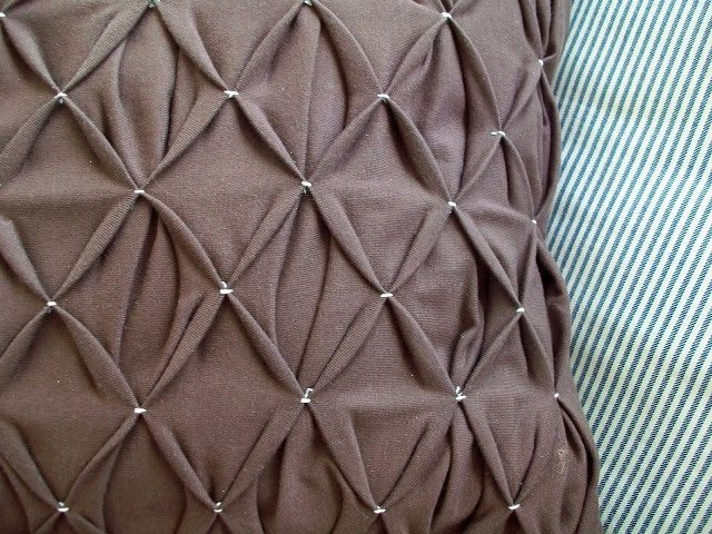 Honeycomb Pleated Pillow