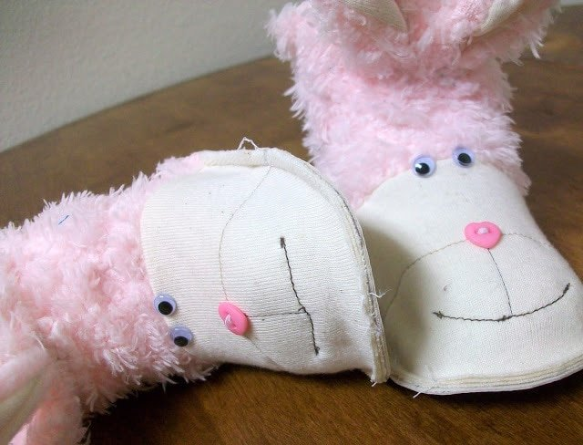 FREE PATTERN: Baby Bunny Boots