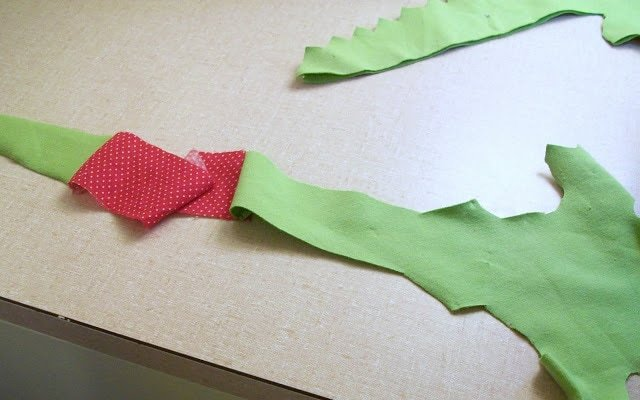 Stuffed Alligator Pattern and Tutorial