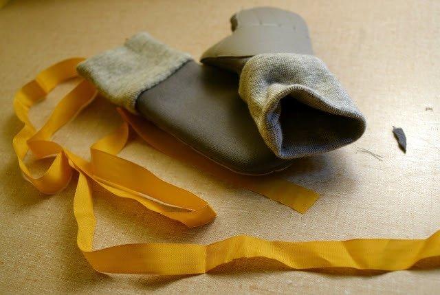 Mittens With Vinyl Grip Tutorial