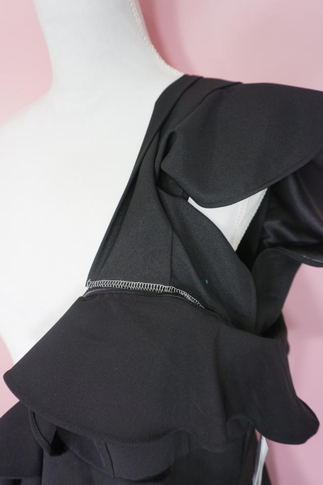 dress pulling away