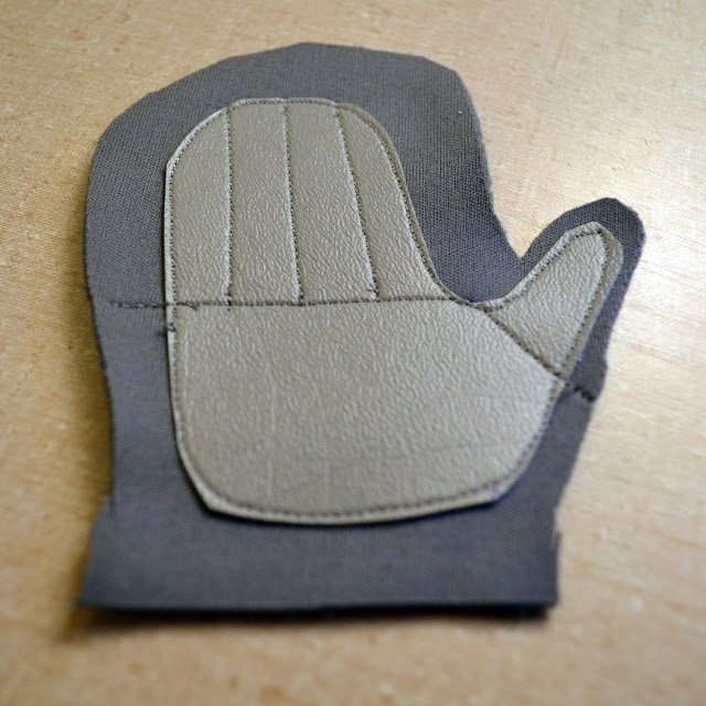 Mittens With Vinyl Grip Tutorial