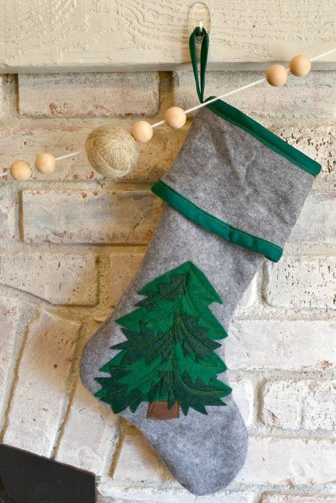 DIY Felt Christmas Stockings