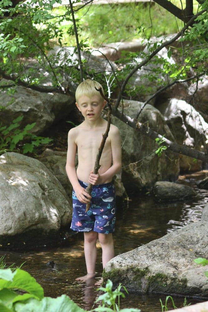 How to Make a Boy's Swimsuit with Simplicity + the Cricut Maker // heatherhandmade.com
