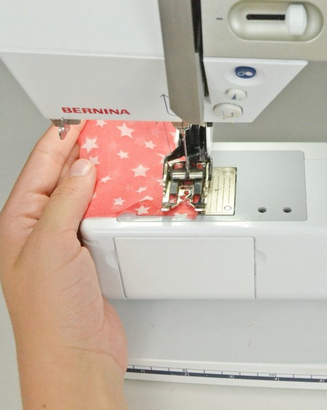 Tips for Sewing Lightweight Fabric // heatherhandmade.com