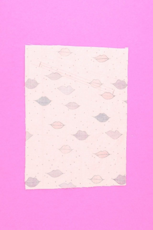 Lips Welt Pocket Tutorial // heatherhandmade.com