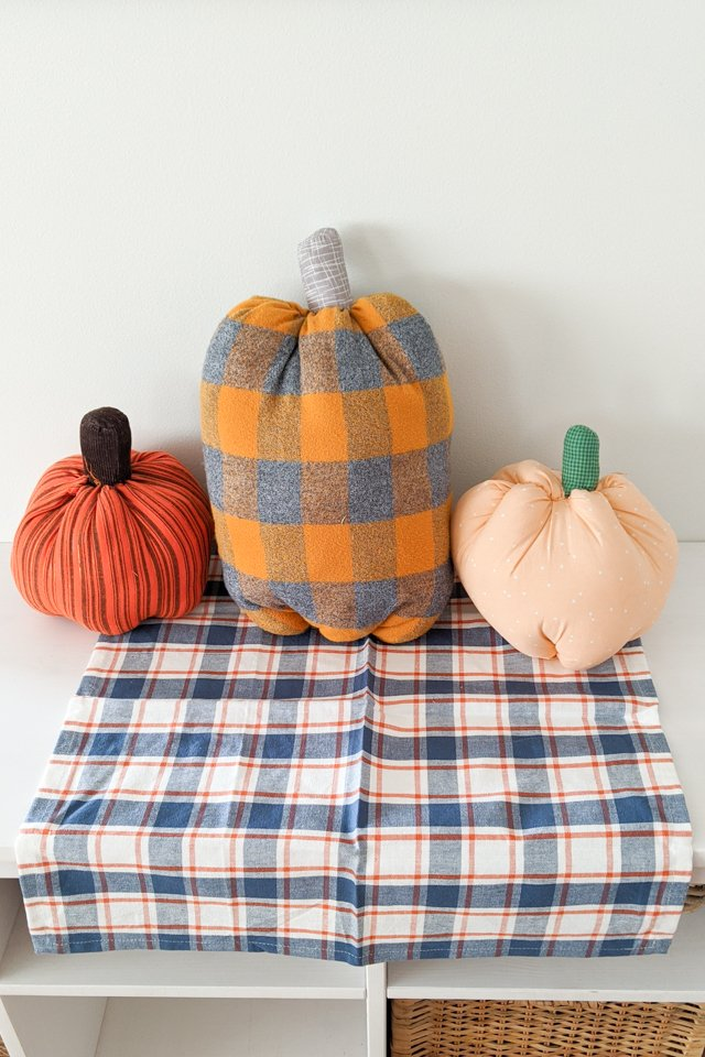 make fabric pumpkins