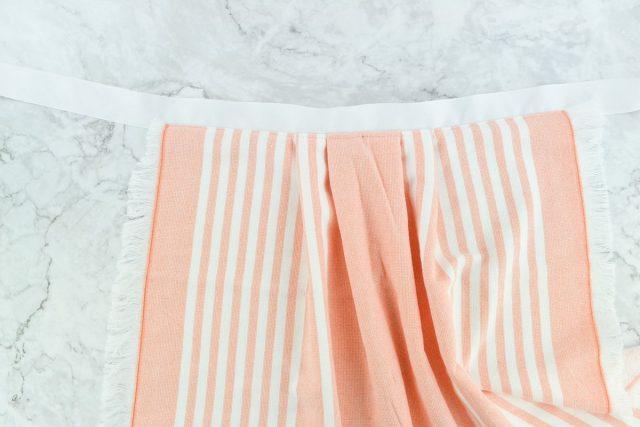 Easy DIY Tea Towel Apron Tutorial // heatherhandmade.com