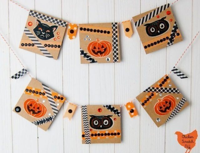 10 DIY Halloween Sign Tutorials // heatherhandmade.com