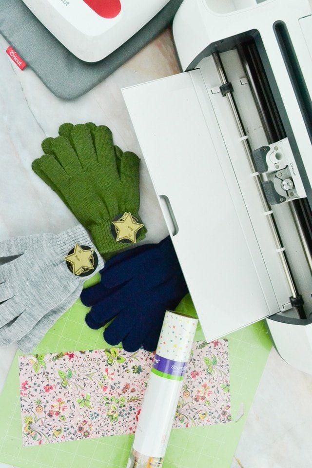 DIY Custom Gloves with a Manicure // heatherhandmade.com
