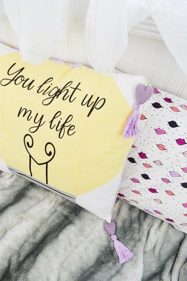 Valentine Pillow Cover Tutorial with Cricut // heatherhandmade.com