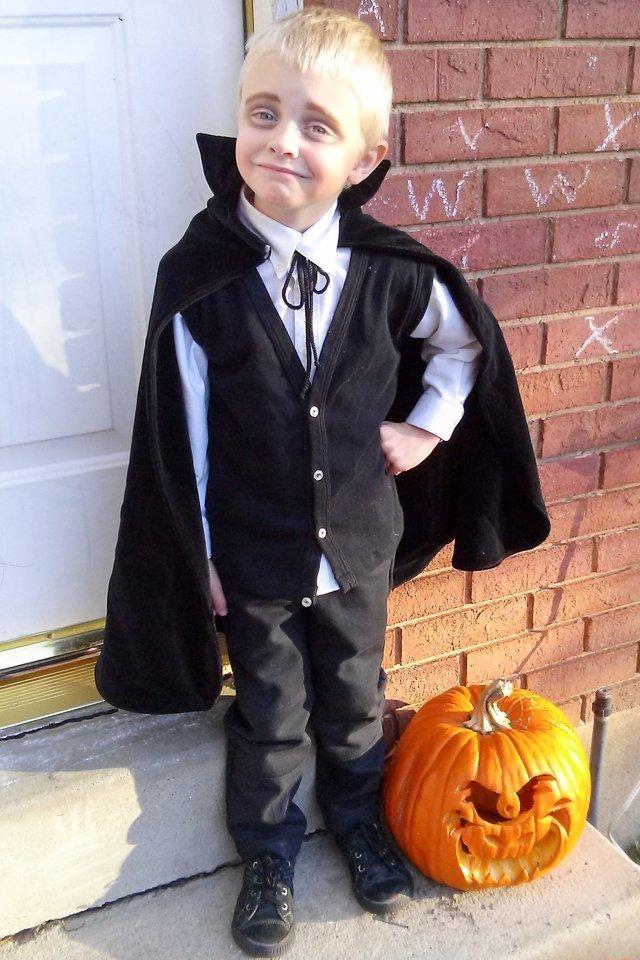 diy vampire costume
