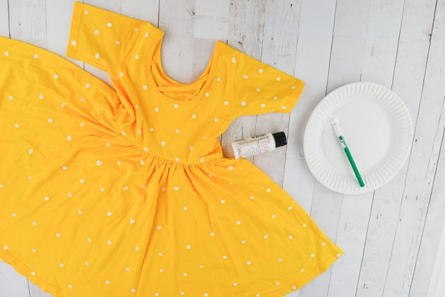 paint dots on dress