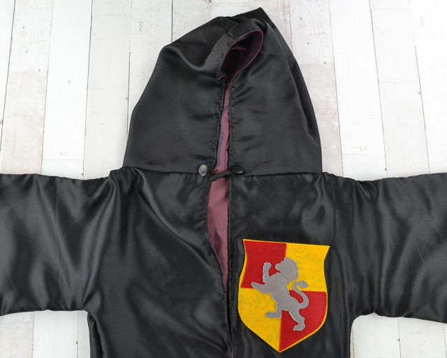 toggle gryffindor robe