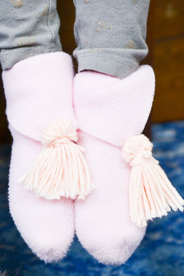 diy slippers tassels