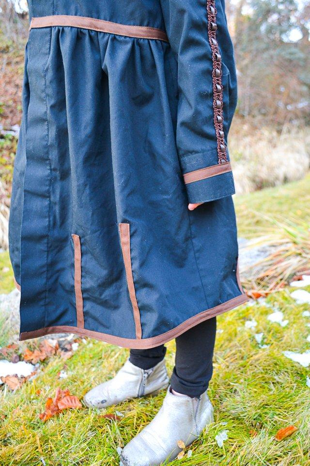 sew anna frozen 2 dress details