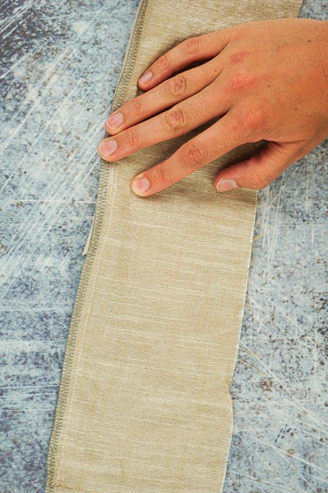 match seam right side together under zipper