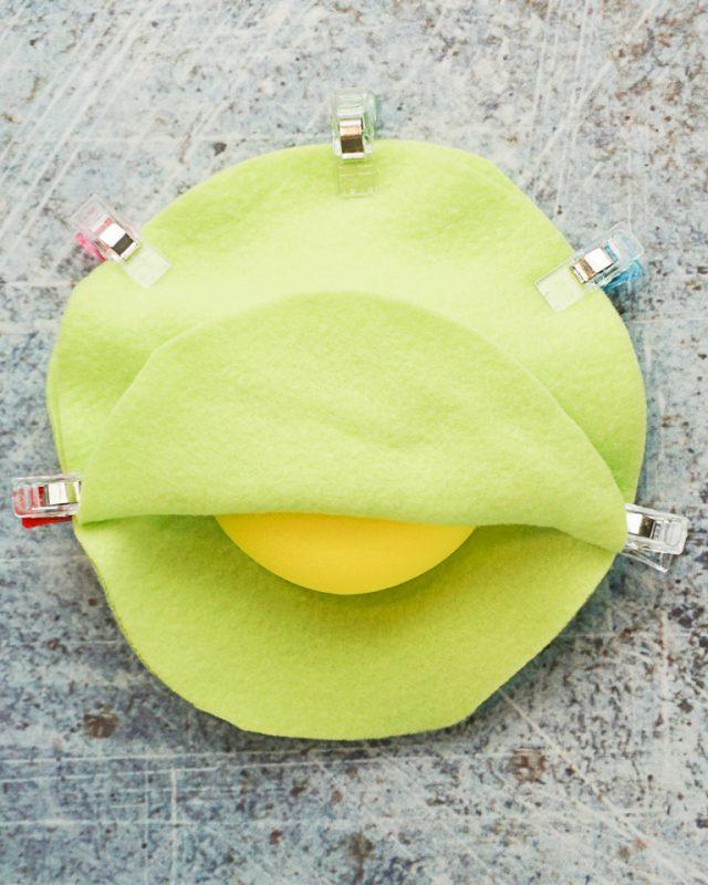 clip two layers around sponge
