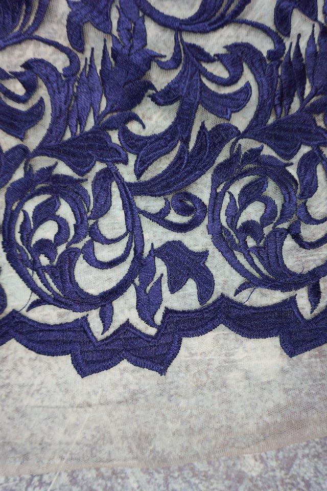 scallop edge lace