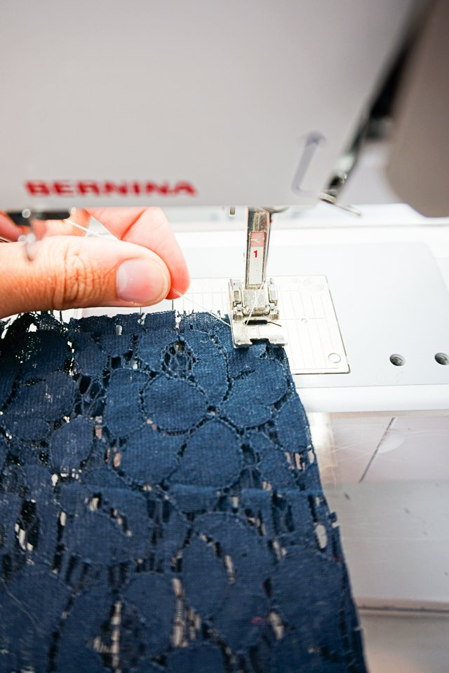 hold thread when sewing