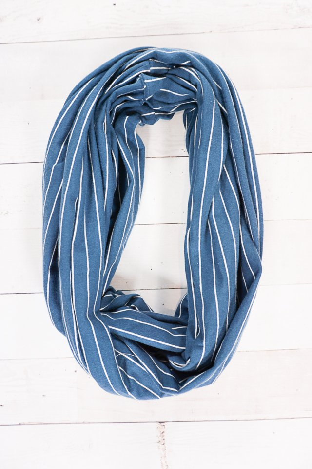 make an infinity scarf