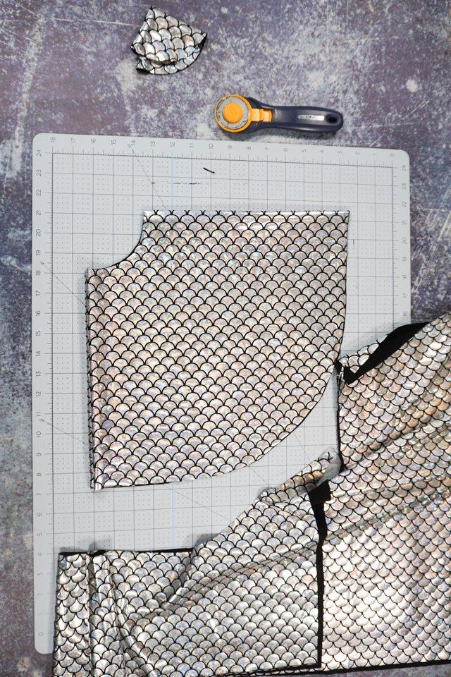 cut scale fabric circle skirt