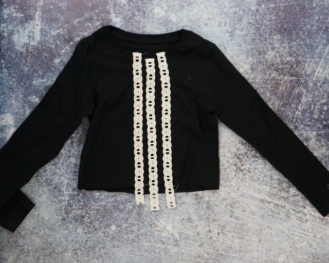 sew lace to t-shirt