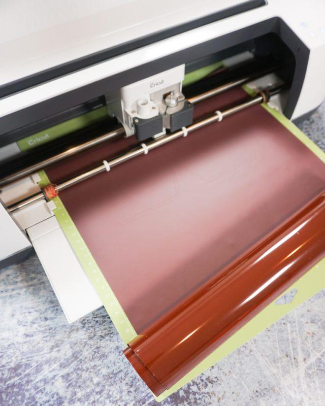 cut iron on vinyl with cricut machine