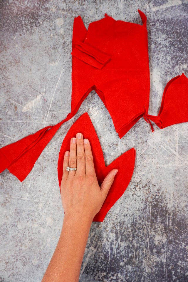 cut out four lobster claws mittens