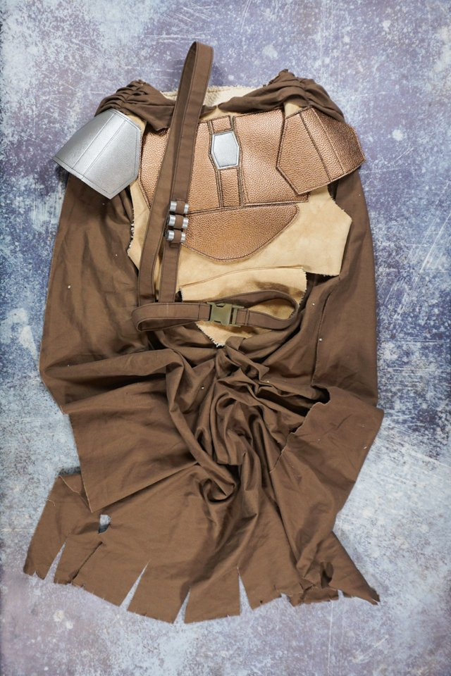 mandalorian chest armor, belt, and cape