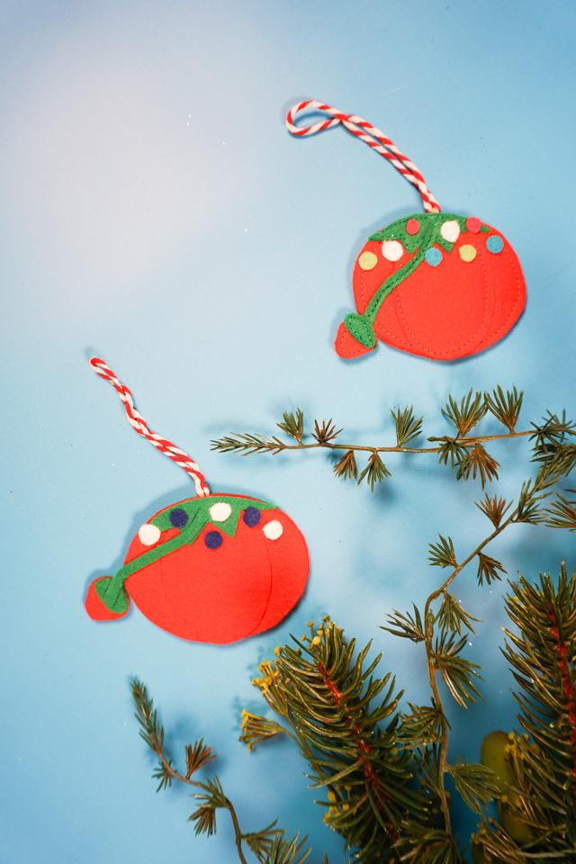 tomato pincushion felt ornament pattern