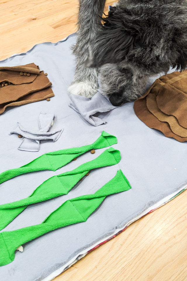 diy snuffle mat for dogs