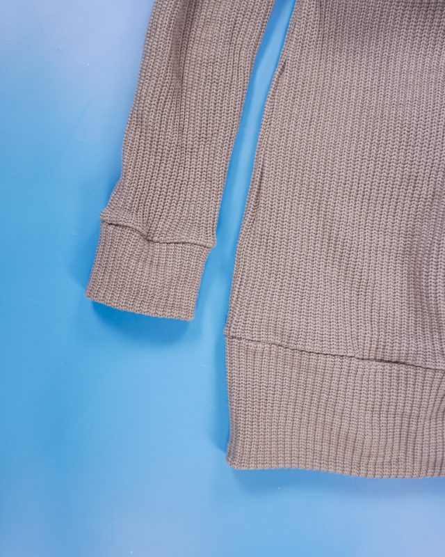hem with a waistband and cuff