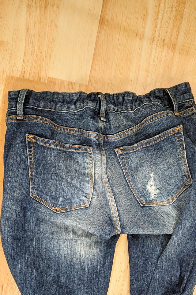 elastic pulls waistband in