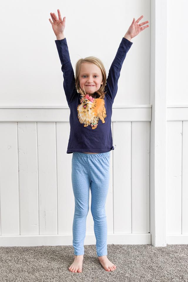 girl wearing t-shirt leggings