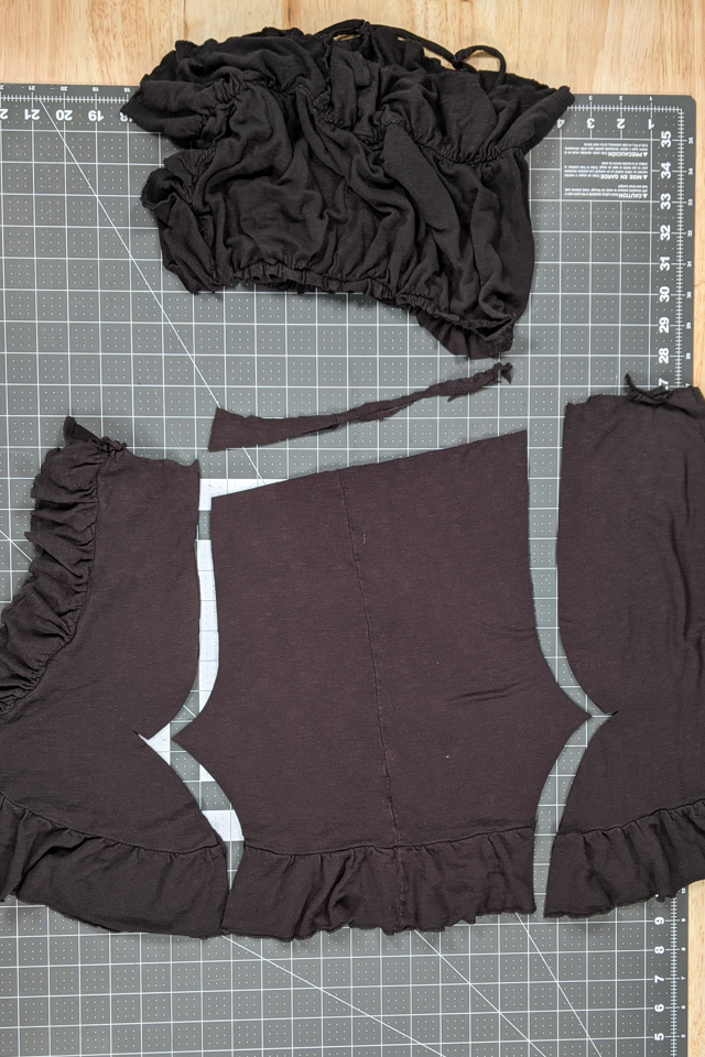 cutting out leggings