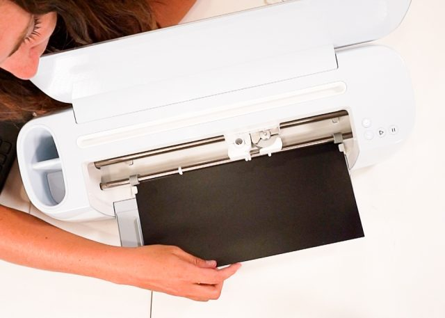 loading vinyl without mat cricut maker 3