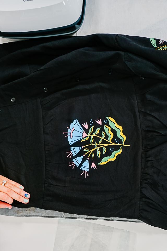 flor iron on vinyl motif
