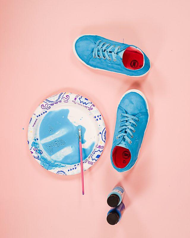 paint shoes blue