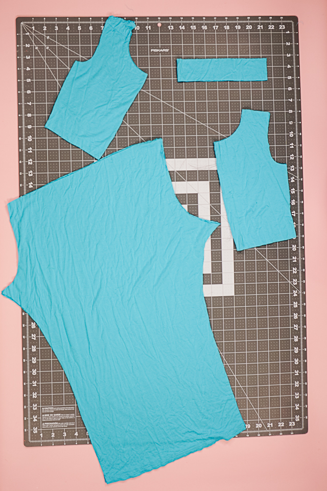 cut out the bodice and pants from knit fabric